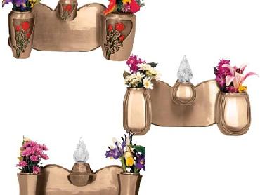 Monoblocco per lapide in pressofusione con vaso e lampada
